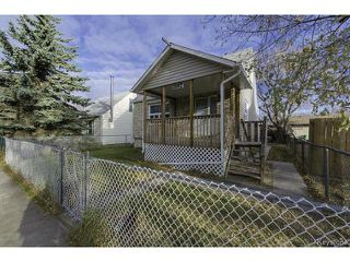 Photo 2: 1587 Manitoba Avenue in WINNIPEG: North End Residential for sale (North West Winnipeg)  : MLS®# 1323768