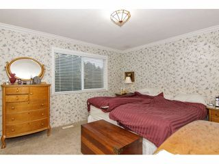 "Photo 12: 24697 48B Avenue in Langley: Salmon River House for sale in ""STRAWBERRY HILLS"" : MLS®# F1326525"