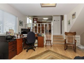 "Photo 8: 24697 48B Avenue in Langley: Salmon River House for sale in ""STRAWBERRY HILLS"" : MLS®# F1326525"
