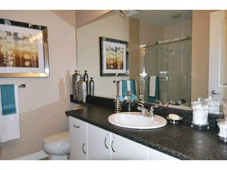 """Photo 11: 29 1268 RIVERSIDE Drive in Port Coquitlam: Riverwood Townhouse for sale in """"SOMERSTON LANE"""" : MLS®# V1062808"""