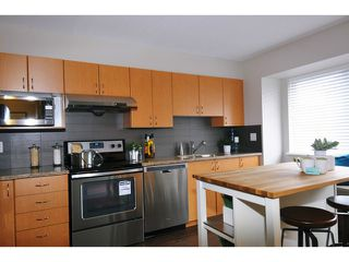 """Photo 7: 29 1268 RIVERSIDE Drive in Port Coquitlam: Riverwood Townhouse for sale in """"SOMERSTON LANE"""" : MLS®# V1062808"""