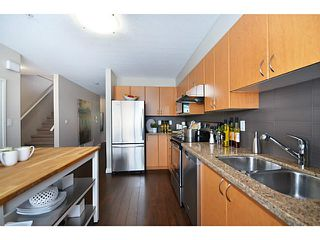 """Photo 19: 29 1268 RIVERSIDE Drive in Port Coquitlam: Riverwood Townhouse for sale in """"SOMERSTON LANE"""" : MLS®# V1062808"""