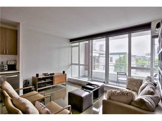 "Photo 5: 304 221 UNION Street in Vancouver: Mount Pleasant VE Condo for sale in ""V6A"" (Vancouver East)  : MLS®# V1071115"