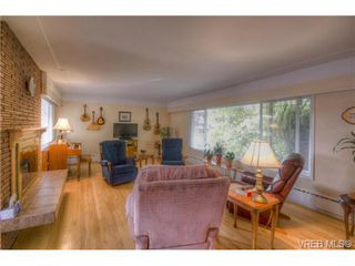 Photo 16: 4149 Torquay Dr in VICTORIA: SE Lambrick Park House for sale (Saanich East)  : MLS®# 683143