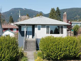 """Main Photo: 246 W 25TH Street in North Vancouver: Upper Lonsdale House for sale in """"UPPER LONSDALE"""" : MLS®# V1116307"""