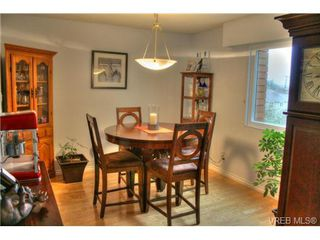 Photo 4: 304 853 Selkirk Avenue in VICTORIA: Es Kinsmen Park Condo Apartment for sale (Esquimalt)  : MLS®# 358147