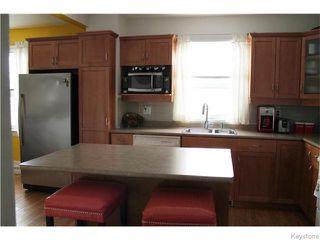 Photo 8: 460 De La Morenie Street in WINNIPEG: St Boniface Residential for sale (South East Winnipeg)  : MLS®# 1603203