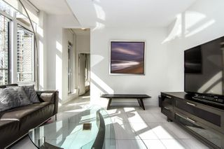 "Photo 3: 502 1252 HORNBY Street in Vancouver: Downtown VW Condo for sale in ""Pure"" (Vancouver West)  : MLS®# R2093567"