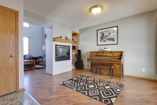 Photo 2: 9107 Scurfield Drive NW in Calgary: 2 Storey for sale : MLS®# C3598147