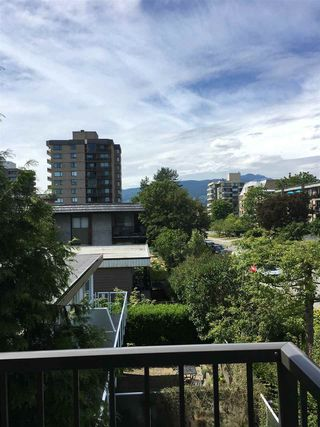 "Photo 5: 313 155 E 5TH Street in North Vancouver: Lower Lonsdale Condo for sale in ""WINCHESTER ESTATES"" : MLS®# R2135023"