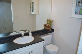 """Photo 12: 312 223 MOUNTAIN Highway in North Vancouver: Lynnmour Condo for sale in """"MOUNTAIN VIEW VILLAGE"""" : MLS®# R2160373"""