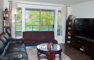 """Photo 3: 312 223 MOUNTAIN Highway in North Vancouver: Lynnmour Condo for sale in """"MOUNTAIN VIEW VILLAGE"""" : MLS®# R2160373"""