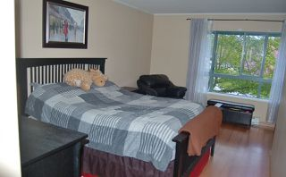 """Photo 11: 312 223 MOUNTAIN Highway in North Vancouver: Lynnmour Condo for sale in """"MOUNTAIN VIEW VILLAGE"""" : MLS®# R2160373"""