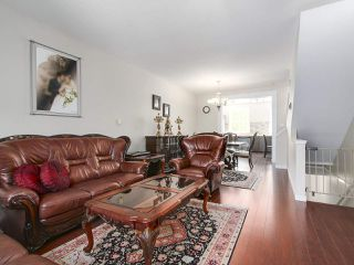 """Photo 4: 27 11067 BARNSTON VIEW Road in Pitt Meadows: South Meadows Townhouse for sale in """"COHO"""" : MLS®# R2173825"""