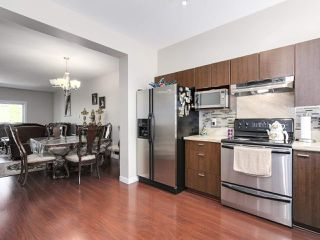 """Photo 7: 27 11067 BARNSTON VIEW Road in Pitt Meadows: South Meadows Townhouse for sale in """"COHO"""" : MLS®# R2173825"""