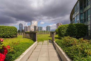 "Photo 15: 2308 6088 WILLINGDON Avenue in Burnaby: Metrotown Condo for sale in ""THE CRYSTAL"" (Burnaby South)  : MLS®# R2176429"