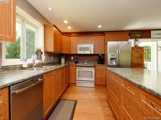 Photo 6: 3032 Phillips Rd in SOOKE: Sk Phillips North House for sale (Sooke)  : MLS®# 763309