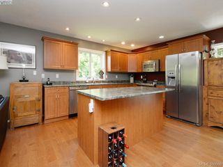 Photo 5: 3032 Phillips Rd in SOOKE: Sk Phillips North Single Family Detached for sale (Sooke)  : MLS®# 763309