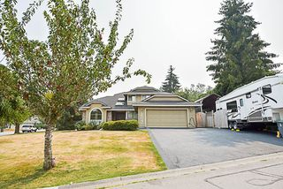 Photo 2: 15046 75 Avenue in Surrey: East Newton House for sale : MLS®# R2196072
