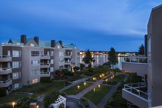 Photo 5: 415 1150 QUAYSIDE DRIVE in New Westminster: Quay Condo for sale : MLS®# R2192707