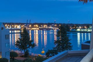 Photo 2: 415 1150 QUAYSIDE DRIVE in New Westminster: Quay Condo for sale : MLS®# R2192707