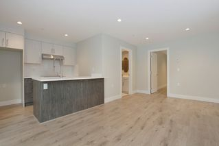 Photo 16: 231 W 19TH Street in North Vancouver: Central Lonsdale House 1/2 Duplex for sale : MLS®# R2202845