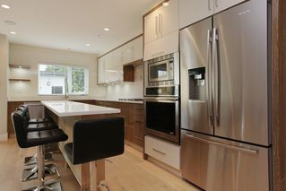 Photo 7: 231 W 19TH Street in North Vancouver: Central Lonsdale House 1/2 Duplex for sale : MLS®# R2202845