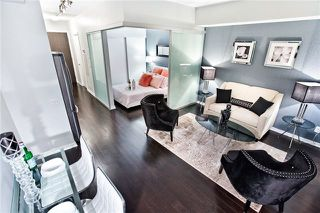 Photo 2: 706 105 The Queensway Avenue in Toronto: High Park-Swansea Condo for sale (Toronto W01)  : MLS®# W3921388
