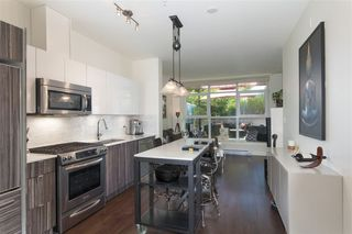 """Photo 2: 210 2250 COMMERCIAL Drive in Vancouver: Grandview VE Condo for sale in """"MARQUEE"""" (Vancouver East)  : MLS®# R2209246"""