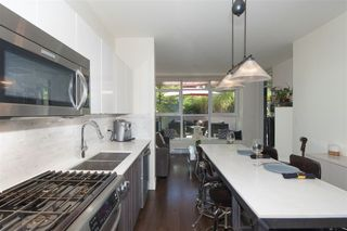 """Photo 4: 210 2250 COMMERCIAL Drive in Vancouver: Grandview VE Condo for sale in """"MARQUEE"""" (Vancouver East)  : MLS®# R2209246"""