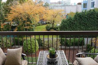 Photo 7: 306 620 SEVENTH Avenue in New Westminster: Uptown NW Condo for sale : MLS®# R2221057