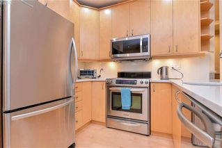 Photo 2: 1 220 Moss Street in VICTORIA: Vi Fairfield West Townhouse for sale (Victoria)  : MLS®# 386202