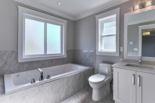 """Photo 3: 8230 204 Street in Langley: Willoughby Heights House for sale in """"Yorkson"""" : MLS®# R2230229"""