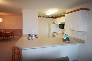 "Photo 6: 203 22150 48 Avenue in Langley: Murrayville Condo for sale in ""Eaglecrest"" : MLS®# R2238984"