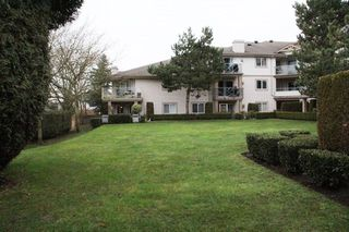 "Photo 15: 203 22150 48 Avenue in Langley: Murrayville Condo for sale in ""Eaglecrest"" : MLS®# R2238984"