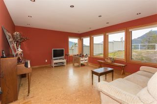 Photo 13: 2001 CLIFFSIDE Lane in Squamish: Hospital Hill House for sale : MLS®# R2249140