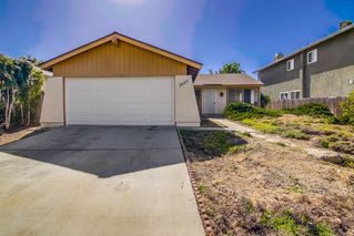 Photo 2: SAN CARLOS House for sale : 3 bedrooms : 7825 Whelan Drive in San Diego