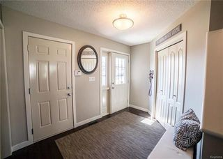 Photo 2: 74 Brabant Cove in Winnipeg: River Park South Residential for sale (2F)  : MLS®# 1812373