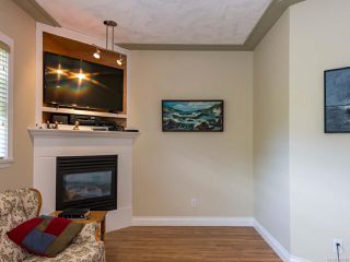 Photo 2: 8 1285 Guthrie Rd in COMOX: CV Comox (Town of) Row/Townhouse for sale (Comox Valley)  : MLS®# 787440