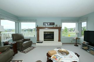 Photo 7: 76 Sandstone Ridge Crescent: Okotoks House for sale : MLS®# C4189236