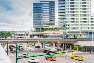 """Photo 15: 2606 8189 CAMBIE Street in Vancouver: Marpole Condo for sale in """"North West"""" (Vancouver West)  : MLS®# R2286767"""