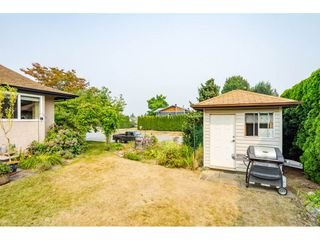 """Photo 18: 3652 DUNSMUIR Way in Abbotsford: Abbotsford East House for sale in """"Bateman"""" : MLS®# R2299092"""