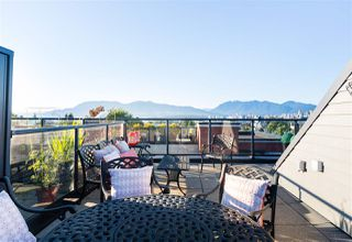 "Photo 2: 2 1950 W 5TH Avenue in Vancouver: Kitsilano Townhouse for sale in ""THE EDGE OF FIFTH"" (Vancouver West)  : MLS®# R2307731"