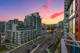 "Photo 17: 909 111 E 1ST Avenue in Vancouver: Mount Pleasant VE Condo for sale in ""BLOCK 100"" (Vancouver East)  : MLS®# R2330991"