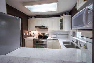 "Photo 10: 311 855 W 16TH Street in North Vancouver: Mosquito Creek Condo for sale in ""Gables West"" : MLS®# R2363048"