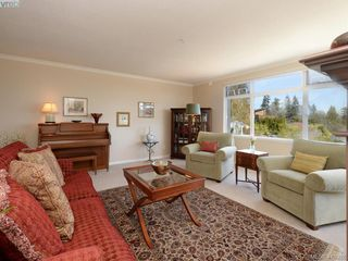 Photo 5: 307 5110 Cordova Bay Road in VICTORIA: SE Cordova Bay Condo Apartment for sale (Saanich East)  : MLS®# 410928