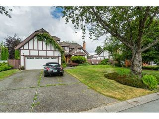 Main Photo: 15073 95A Avenue in Surrey: Fleetwood Tynehead House for sale : MLS®# R2382803