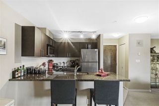 "Photo 5: 313 7337 MACPHERSON Avenue in Burnaby: Metrotown Condo for sale in ""CADENCE"" (Burnaby South)  : MLS®# R2396202"