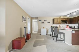 "Photo 2: 313 7337 MACPHERSON Avenue in Burnaby: Metrotown Condo for sale in ""CADENCE"" (Burnaby South)  : MLS®# R2396202"