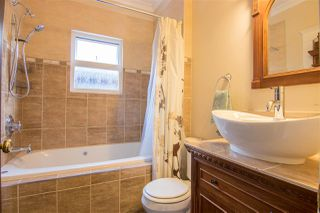 Photo 12: 2331 E 6TH Avenue in Vancouver: Grandview Woodland House for sale (Vancouver East)  : MLS®# R2398136